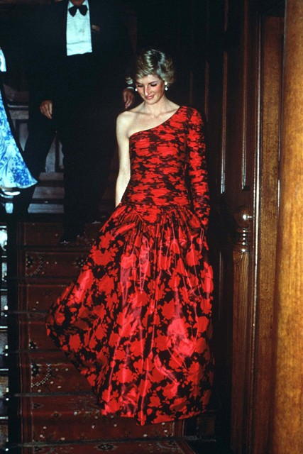 Princess-Diana-StyleChi-Style-Best-Looks-Asymmetrical-Long-Sleeve-Red-Black-Floral-Gown