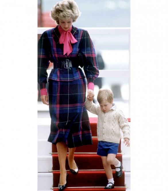 Princess-Diana-StyleChi-Style-Best-Looks-Blue-Pink-Black-Tartan-Skirt-Suit-Prince-William-Young