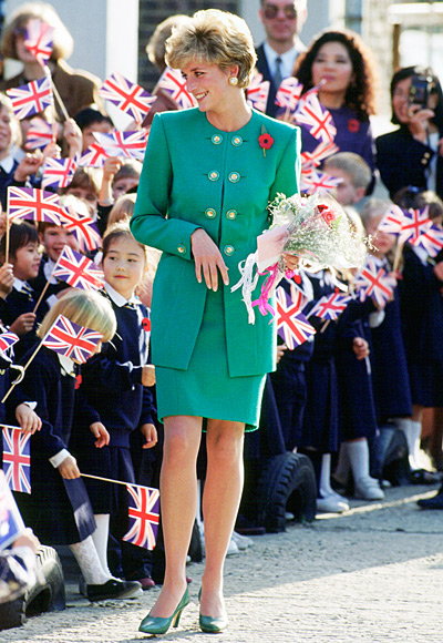 Princess-Diana-StyleChi-Style-Best-Looks-Green-Collarless-Suit