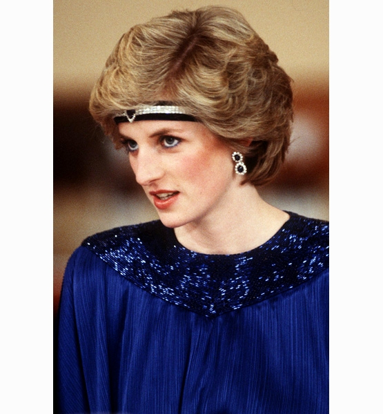 Princess-Diana-StyleChi-Style-Best-Looks-Headband-Blue-Dress-Sparkly-Neck