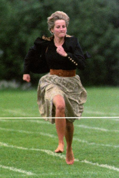 Princess-Diana-StyleChi-Style-Best-Looks-Mothers-Race-Black-Jacket-Gold-Buttons-Skirt-Brown-Belt