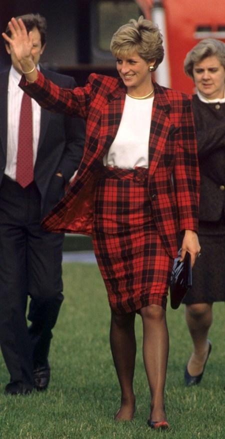 Princess-Diana-StyleChi-Style-Best-Looks-Red-Black-Tartan-Suit-White-Top