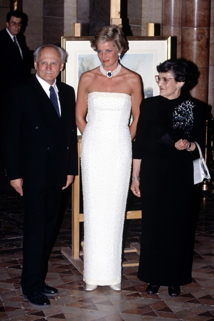 Princess-Diana-StyleChi-Style-Best-Looks-Sparkly-Strapless-White-Dress