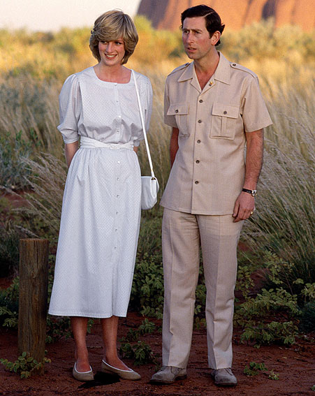 Princess-Diana-StyleChi-Style-Best-Looks-White-Belted-Midi-Dress-Cross-Body-Bag-Beige-Ballerinas-Prince-Charles