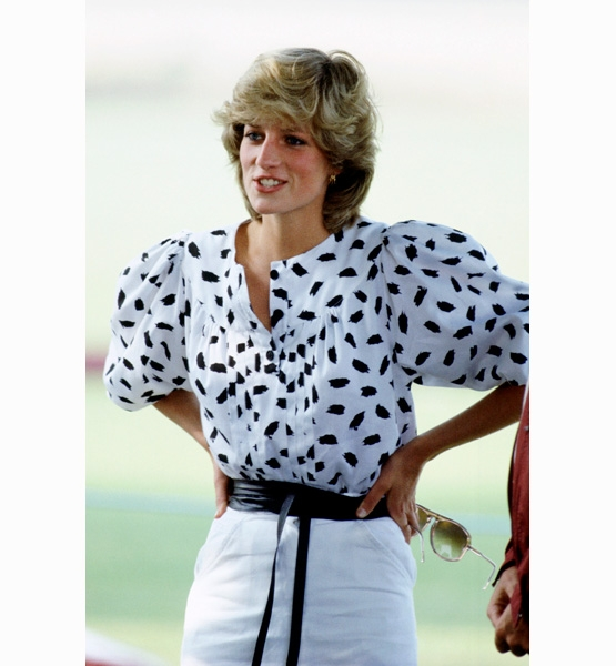 Princess-Diana-StyleChi-Style-Best-Looks-White-Black-Blouse-Bouffant-Sleeves-Black-Belt-White-Skirt