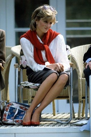 Princess-Diana-StyleChi-Style-Best-Looks-White-Blouse-Skirt-Red-Heels-Cardigan-Sunglasses