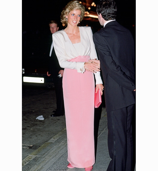 Princess-Diana-StyleChi-Style-Best-Looks-White-Pink-Long-Sleeve-Dress