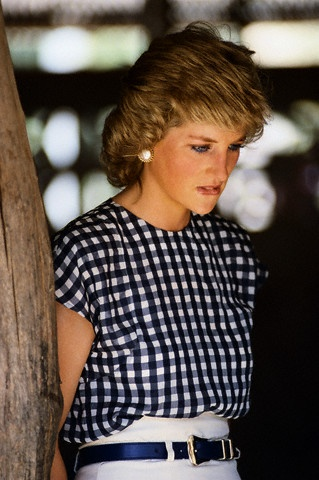 Princess-Diana-StyleChi-Style-Best-Outfits-Vichy-Black-White-Top