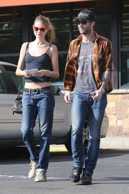 StyleChi-Behati-Prinsloo-Street-Style-Best-Looks-Victoria's-Secret-Angel-Adam-Levine-Bralette-Crop-Top-Boyfriend-Jeans-Retro-Sunglasses
