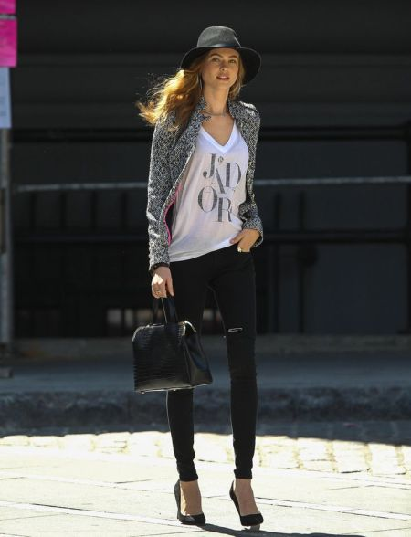 StyleChi-Behati-Prinsloo-Street-Style-Best-Looks-Victoria's-Secret-Angel-Black-Hat-Jeans-Croc-Bag-Marl-Grey-Jacket-J'adore-T-Shirt-Heels
