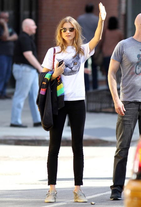 StyleChi-Behati-Prinsloo-Street-Style-Best-Looks-Victoria's-Secret-Angel-Cat-T-Shirt-Black-Jeans-Sunglasses